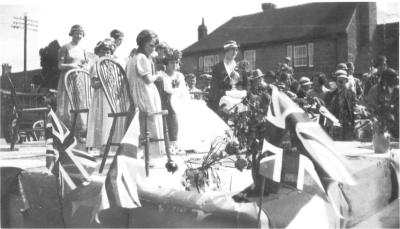 Horsted Keynes: Nellie Tester being crowned 1935.